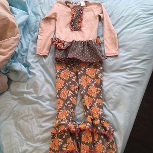Cute 4/5 girls fall outfit